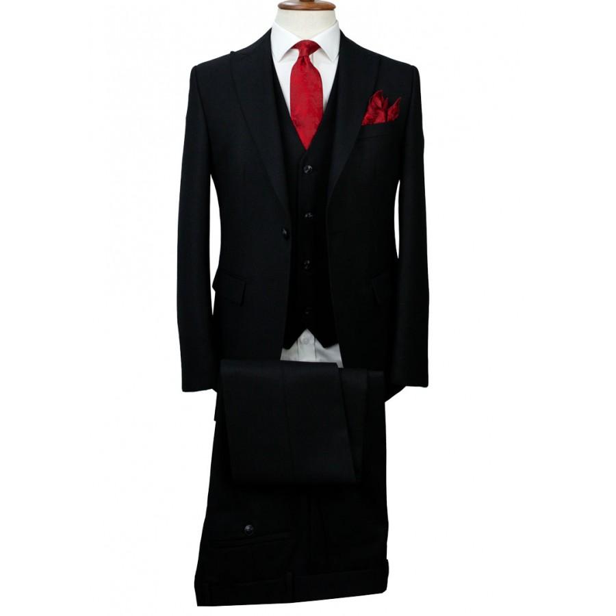 Black - Vested Suit